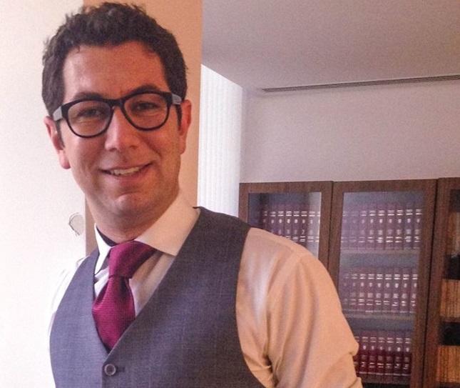 Henderson Fürst é advogado e editor de livros jurídicos