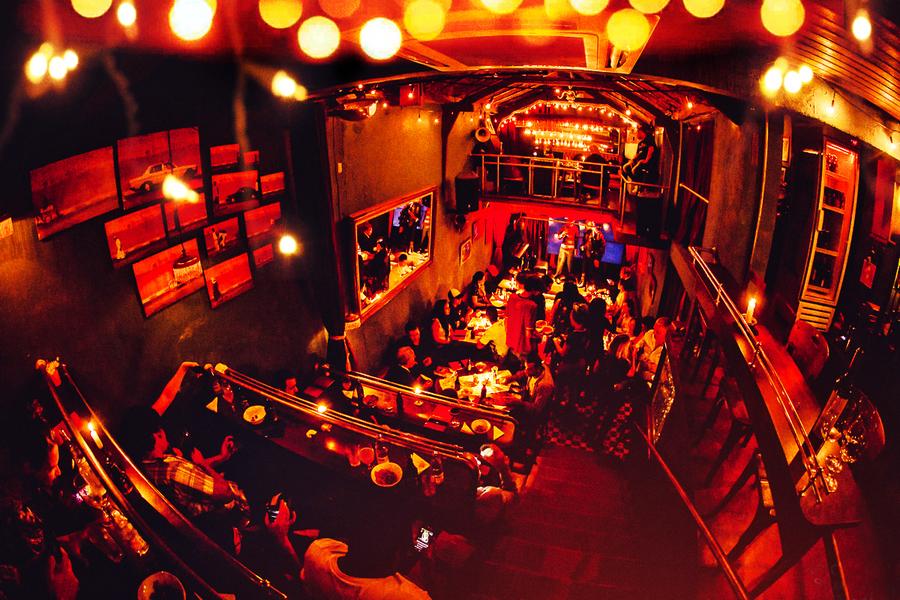 O café-teatro Casa de Francisca, em São Paulo, foi palco da apresentação dos lançamentos da DarkSide para o primeiro semestre de 2015   © Divulgação