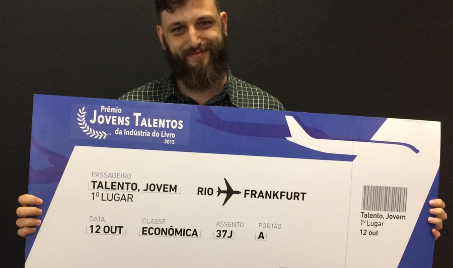 Daniel Lameira é o vencedor do Prêmio Jovens Talentos da Indústria do Livro