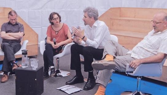 Gilles Colleu, Mariana Warth, Paulo Slachevsky e Guido Indij discutiram a Bibliodiversidade na Primavera Literária | © Divulgação