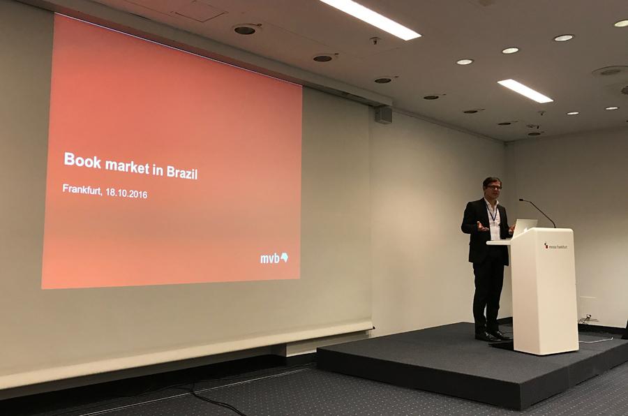 Ronald Schild, CEO da MVB, em sua apresentação sobre metadados no Brasil | © Lima Andruška