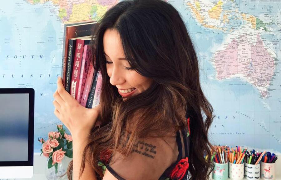 Bruna Vieira participa do 'Segundas Intenções' na Biblioteca Villa-Lobos | © Facebook Bruna Vieira