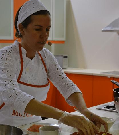 Chef brasileira Morena Leite participou da 'Esquina Gastronômica' da Feira de Sharjah | © Luiz Alvaro