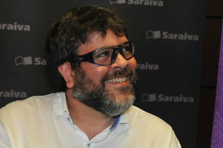 Planeta fecha contrato com PJ Pereira, autor da trilogia 'Deuses de dois mundos'   © Divulgação