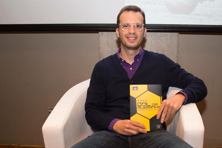 O jornalista André Kfouri passa a ser agora editor da Grande Área, especializada na publicação de livros sobre futebol | © Estúdio Melissa Fotografia