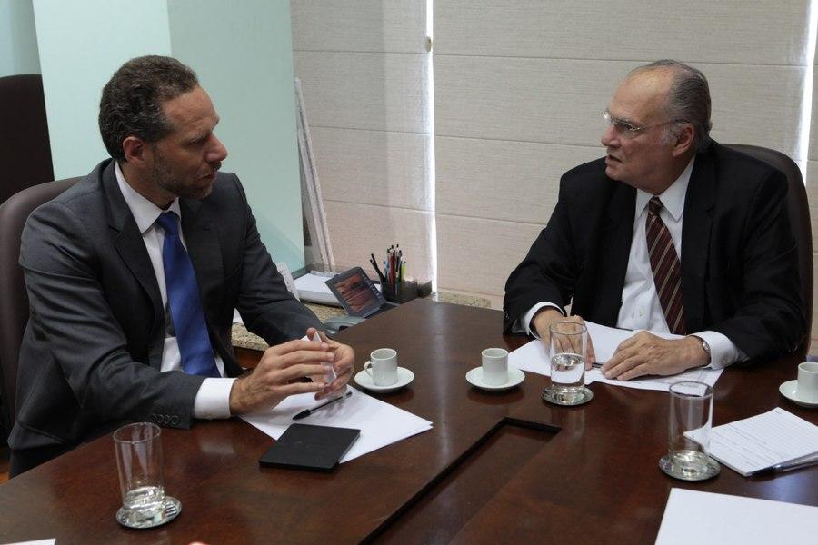Alex Szapiro e o ministro Roberto Freire debateram possíveis parcerias entre a o MinC e a Amazon | © Edson Leal / Ascom MinC