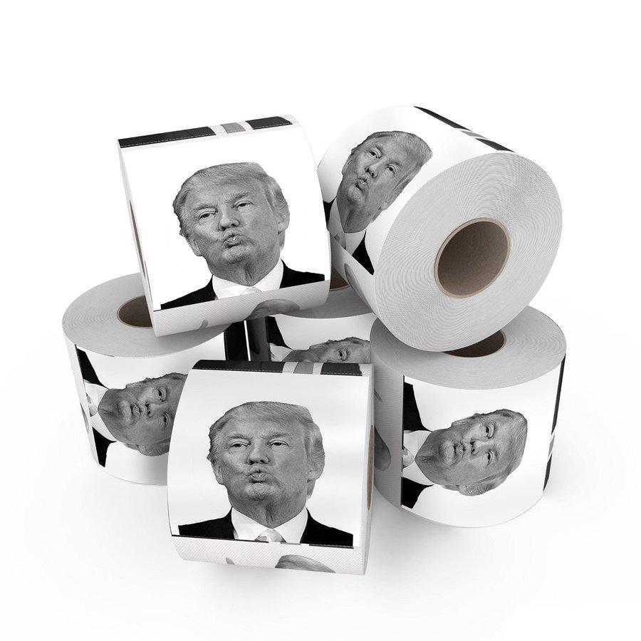 Rolos de papel higiênico com a cara do presidente Trump | © Amazon