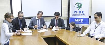 Snel assina termo de ajuste de conduta com Ministério Público Federal | © Antonio Augusto / PGR / MPF