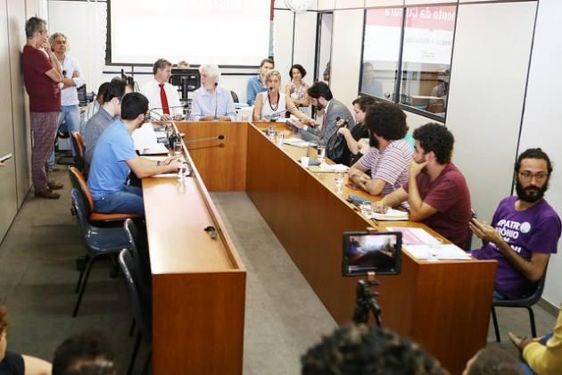 Audiência pública realizada na Câmara dos Vereadores de Belo Horizonte (MG), em que foi revelada a falta de previsão orçamentária para a realização do FIQ em 2017 | © Abraão Bruck / CMBH