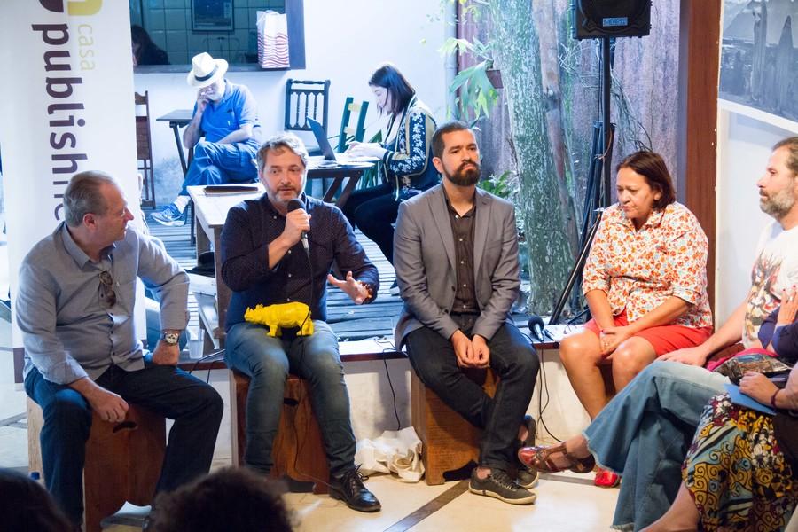 Luís Antonio Torelli, Volnei Canônica, Cristian Brayner e a senadora Fátima Bezerra debateram as políticas públicas do livro na Casa PublishNews em Paraty | © Julio Vilela