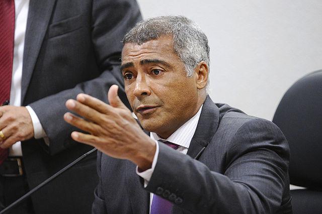 Livro do senador Romário por pouco é impedido de chegar às livrarias | Edilson Rodrigues \ Agência Senado