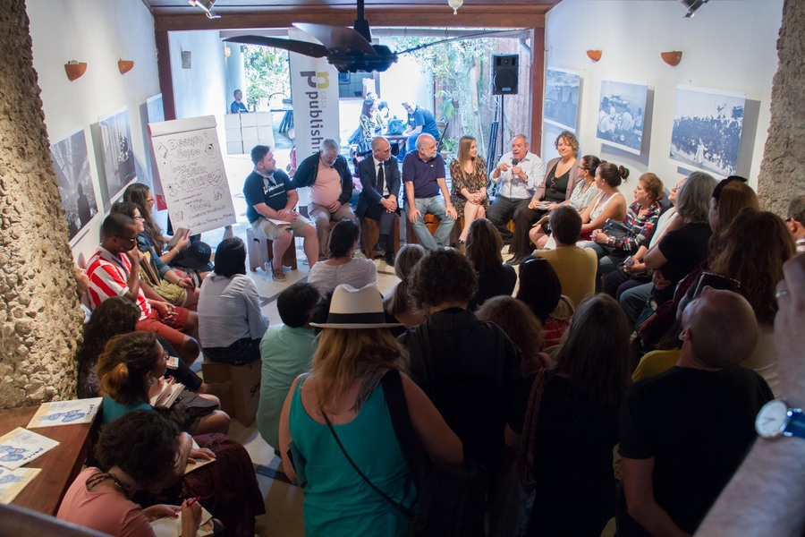 Da mesa que reuniu curadores de eventos literários na Casa PublishNews, saiu a ideia de formar uma 'federação de eventos literários' com o objetivo de maximizar a força dos festivais | © Julio Vilela