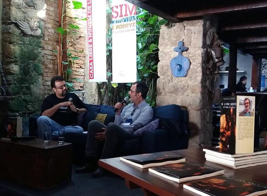 Frederico Lourenço conversa com Carlo Carrenho na Casa Libre & Nuvem de Livros | © Libre Divulgação