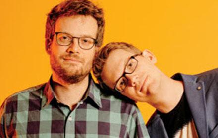 John e Hank Green comandam o canal 'Vlogbrothers' no Youtube   © Divulgação