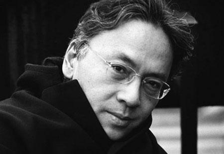 Os vestígios do dia (Companhia das Letras), do Prêmio Nobel de 2017, Kazuo Ishiguro, estreou nessa semana na Lista de Ficção   © Divulgação / Companhia das Letras