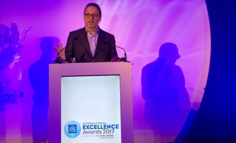 Luiz Schwarcz recebeu, da Feira de Londres, o London Book Fair Lifetime Achievement do prestigiado International Excellence Awards
