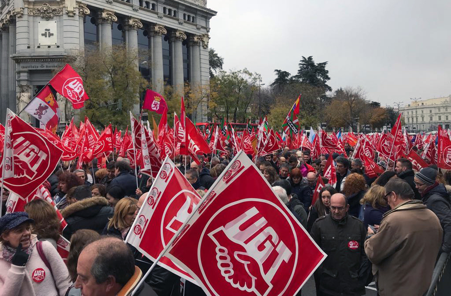 Espanhóis exercem sua liberdade de manifestação na calle de Alcalá, no centro de Madrid, no último dia 14/12 | © Lima Andruška