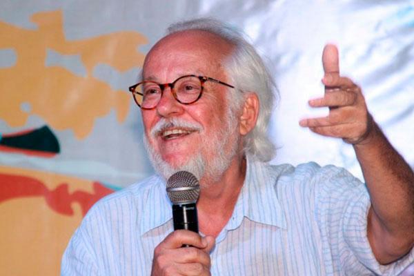 Davi Arrigucci é o patrono da 13ª do Flipoços | © Divulgação