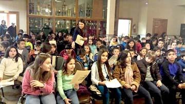 Estudantes participam de evento no Instituto Camões