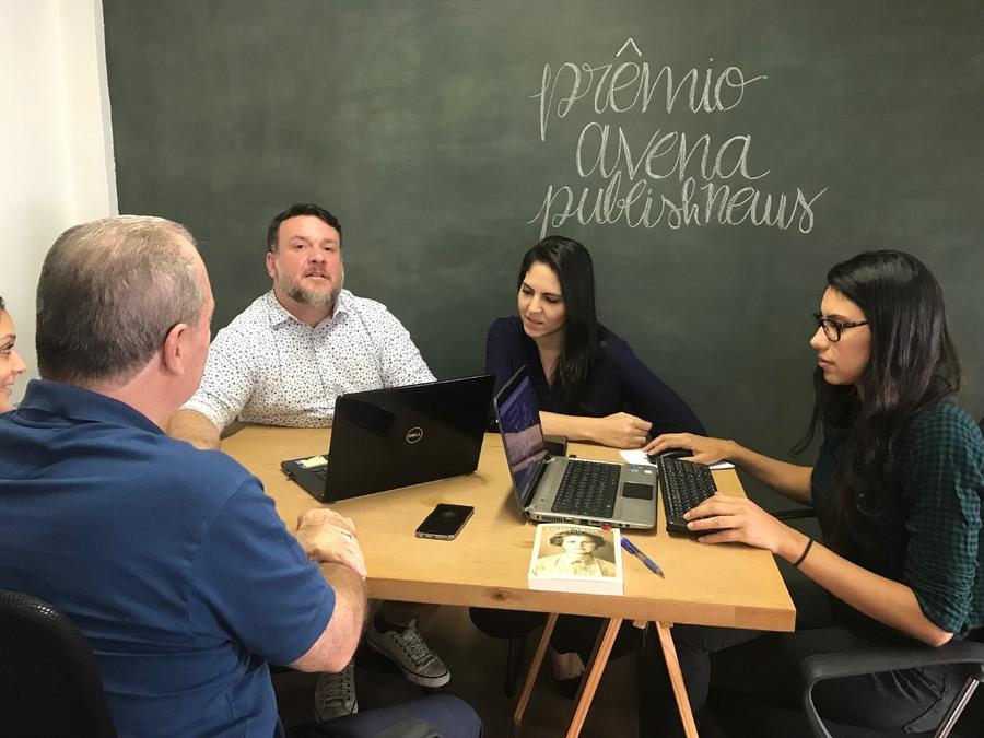 Equipe do PublishNews se reúne com Torelli e a equipe da CBL no fechamento desta edição   Jussara Silva