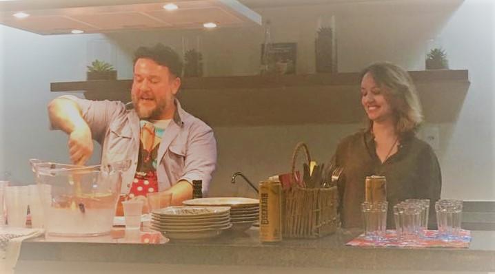 Leonardo Neto e Amanda Mendes em edição passada do Panela de Histórias