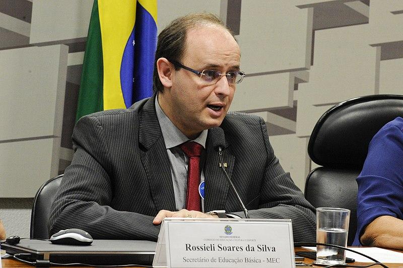 Para Rossieli Silva, secretário de Educação Básica do MEC, a padronização de formatos vai baratear o livro | Edilson Rodrigues/Agência Senado