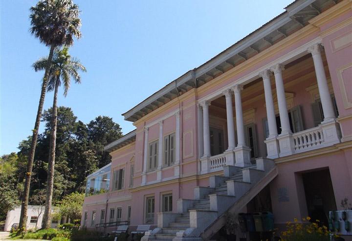 Palácio do Itaboraí, prédio da Fiocruz em Petrópolis, onde acontecerá o evento | © Divulgação