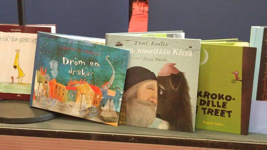 Livros finlandeses expostos na Feira do Livro Infantil e Juvenil de Bolonha   © Facebook do Fili