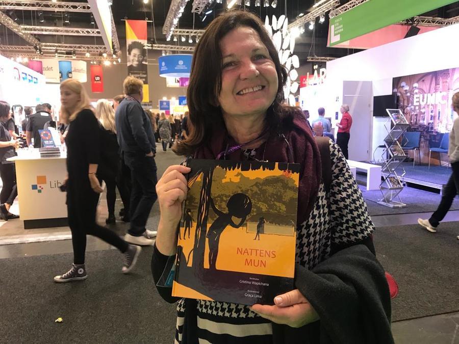 A ilustradora Graça Lima também esteve em Gotemburgo para receber receber a Estrela de Prata do prêmio Peter Pan pelo livro 'A boca da noite', no Brasil publicado pela Zit | © Carlo Carrenho