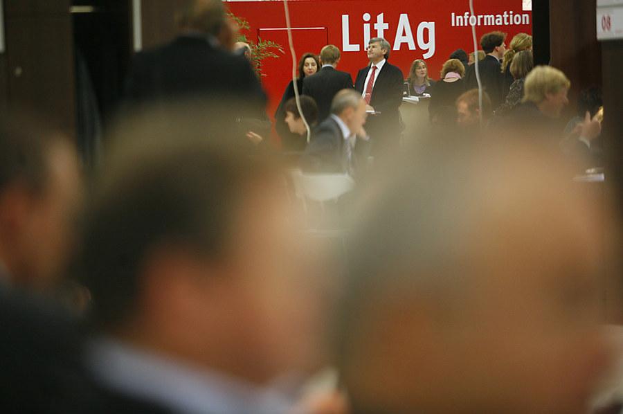 Cena comum no sempre agitado LitAg, o coração dos negócios da Feira do Livro de Frankfurt | © Peter Hirth / Feira do Livro de Frankfurt