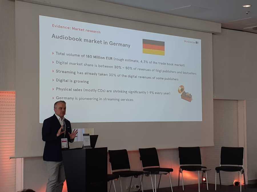John Ruhrmann, diretor e co-fundador da Bookwire, na sua apresentação na Frankfurt Audiobook Conference | Leonardo Neto