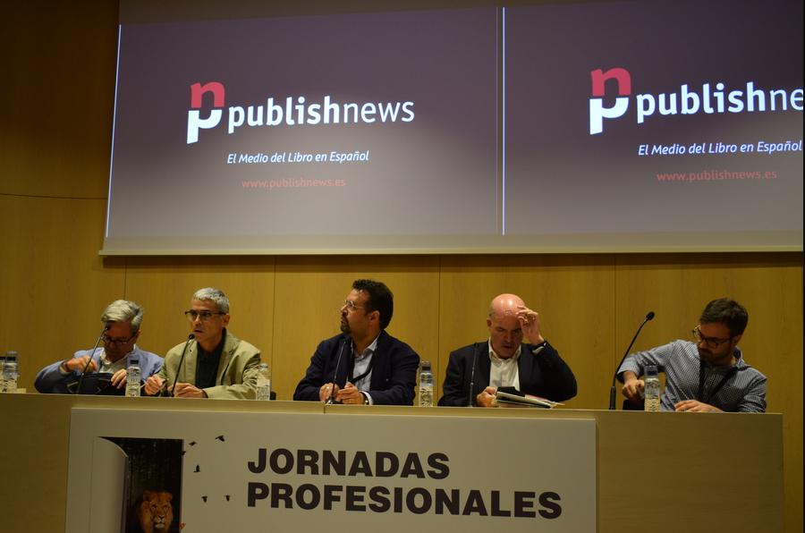 Javier Celaya, Carles Geli, Carlo Carrenho, Jordi Nadal e Luiz Gaspar participaram da apresentação oficial do PublishNews em Espanhol no evento em Barcelona   © Lorenzo Herrero
