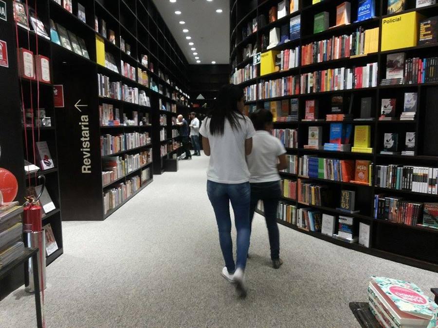 Pesquisa Mensal de Comércio aponta queda na categoria Livros, Jornais, Revistas e Papelaria | © Telma Kobori