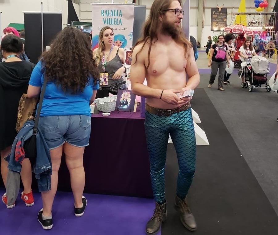 'Criativos e transgressores': Jesus Livreiro faz cosplay de serio na CCXP