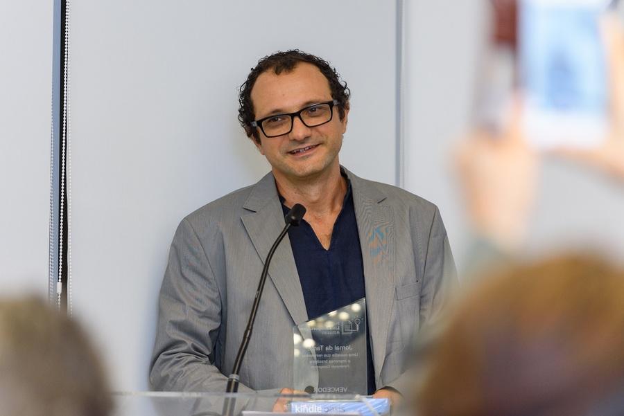 Ferdinando Casagrande foi o vencedor do Prêmio Livro-Reportagem Amazon pelo livro 'Jornal da Tarde: uma ousadia que reinventou a imprensa brasileira'   © Marcelo Bruzzi / Divulgação