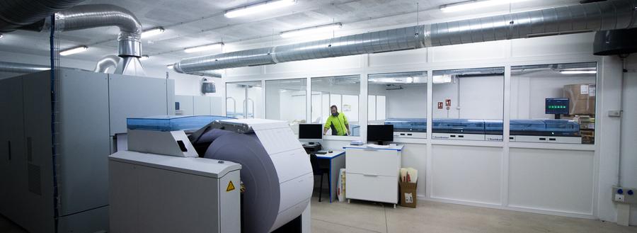 Impressora rotativa digital em operação na Podiprint, em Antequera | © Divulgação