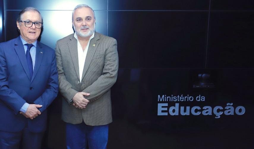 O ministro Vélez recebeu o senador Prates na sede do MEC na última sexta-feira | © Divulgação