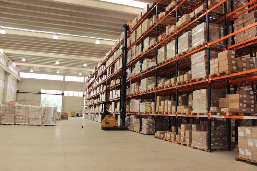 Área de armazenagem da Macunaíma: galpão tem 3 mil m² com pé direito de 11 metros | © Divulgação