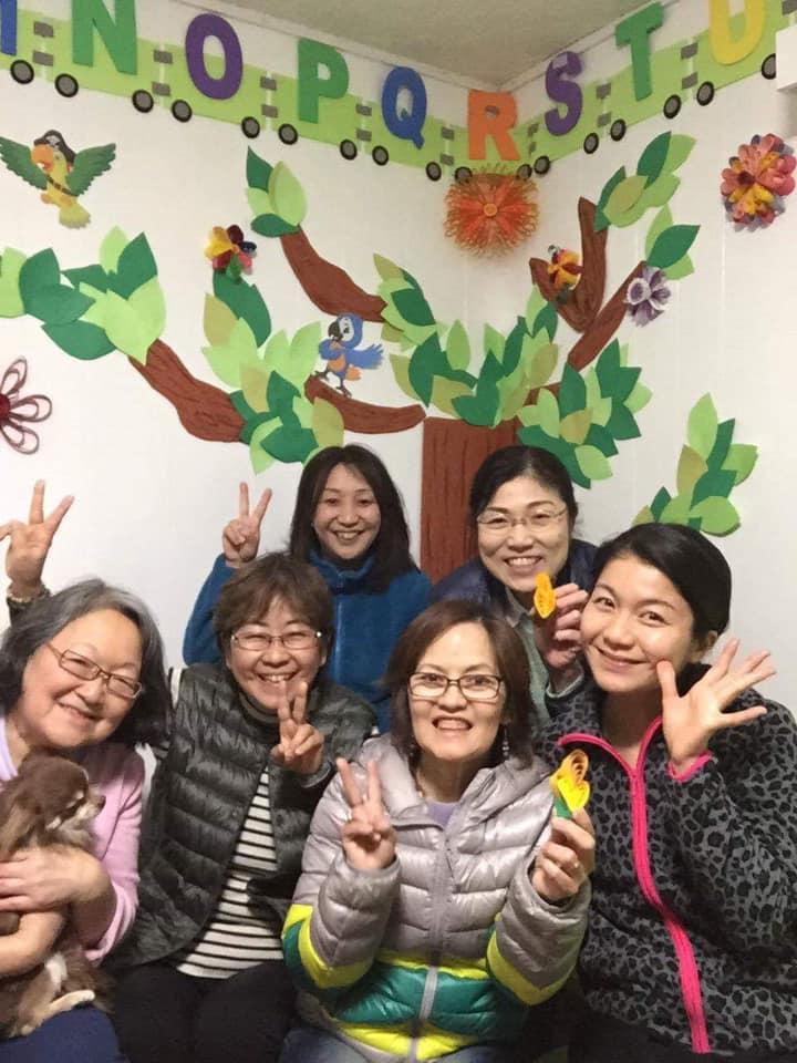 Equipe que preparou a inauguração da Biblioteca Susana Ventura, em Osaka, Japão   © Marina Suzuki / Redes sociais de Luiza Tanaka