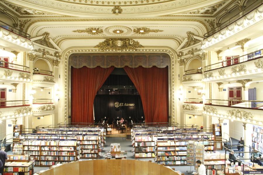 El Ateneo Grand Splendid, a livraria ícone da Argentina. María Teresa Carbano estima queda de 30% das vendas entre 2015 e 2019 | © Leonardo Neto