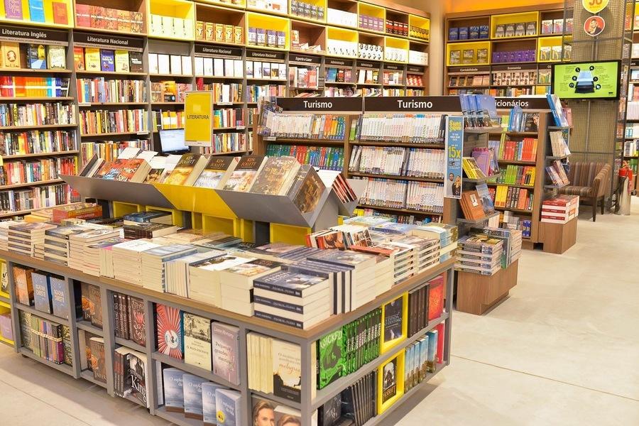 Nielsen detectou queda importante tanto em faturamento quanto em volume nas vendas de livros nos estabelecimentos que monitora | © Redes sociais da Saraiva