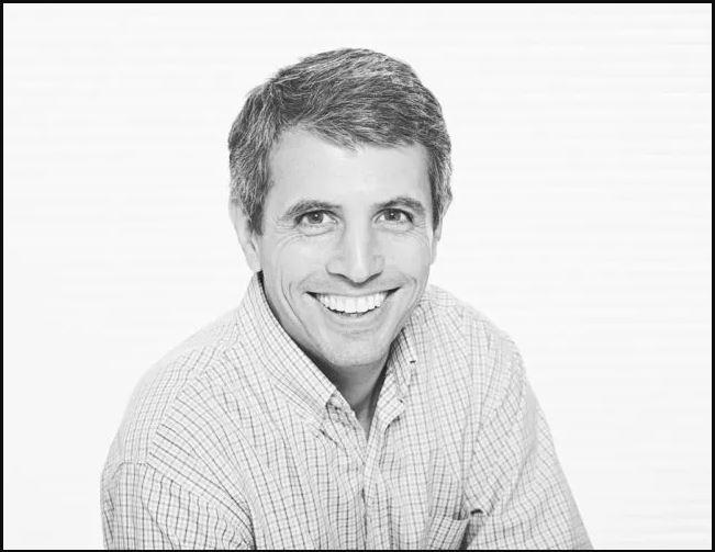 Fernando Zambra é o diretor da Promage, empresa que monitora o mercado do livro na Argentina