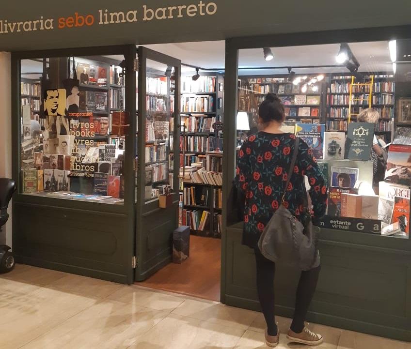 Fachada da livraria-sebo Lima Barreto, a nova casa de Benhamin Magalhães | Leonardo Neto