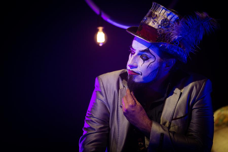 Fernando Anitelli, líder d'O Teatro Mágico, interpreta música-tema da campanha de Dia dos Professores da FTD | Rodrigo Rosa