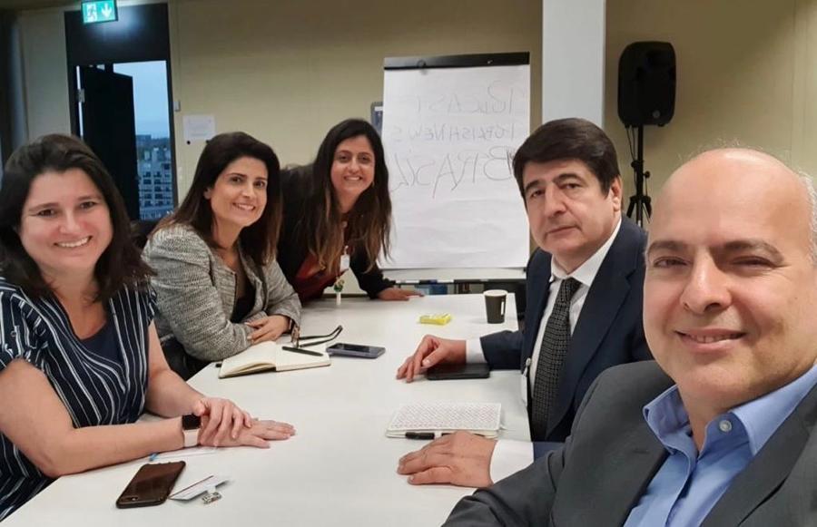 Flávia Bravin, Karina Pansa, Fernanda Gomes, Vitor Garcia e Dante Cid durante a gravação do especial em Genebra