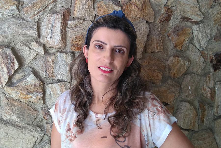 Vanessa Molnar Maluf ganhou na categoria Romance com o livro 'A importância dos telhados' | © Divulgação