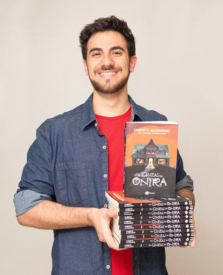 Umberto Mannarino é autor de 'Das cinzas de Onira', estreante da Lista Nielsen PublishNews