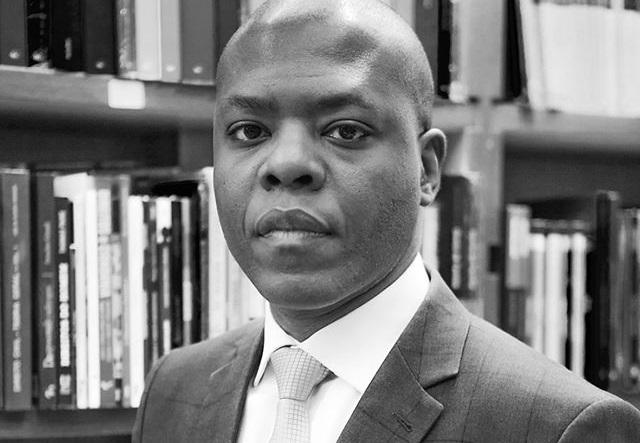 Professor e jurista Silvio Almeida estreia na Lista dos Mais Vendidos, com 'Racismo estrutural', livro que marca também a estreia da editora Pólen na Lista dos Mais Vendidos