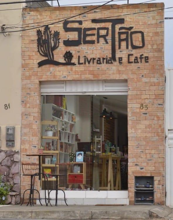 A SerTão Livraria e Café, em Jacobina (BA), também foi selecionada pelo Projeto Retomada | © Facebook da livraria