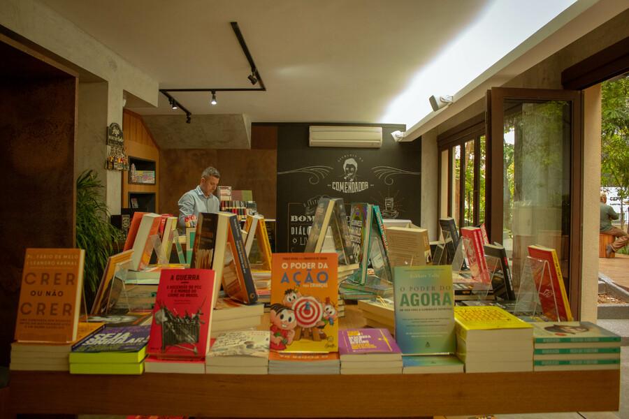 Varejo de livros dá um salto em outubro | © Cris Vieira / Divulgação - Livraria do Comendador